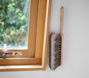 brush-hung